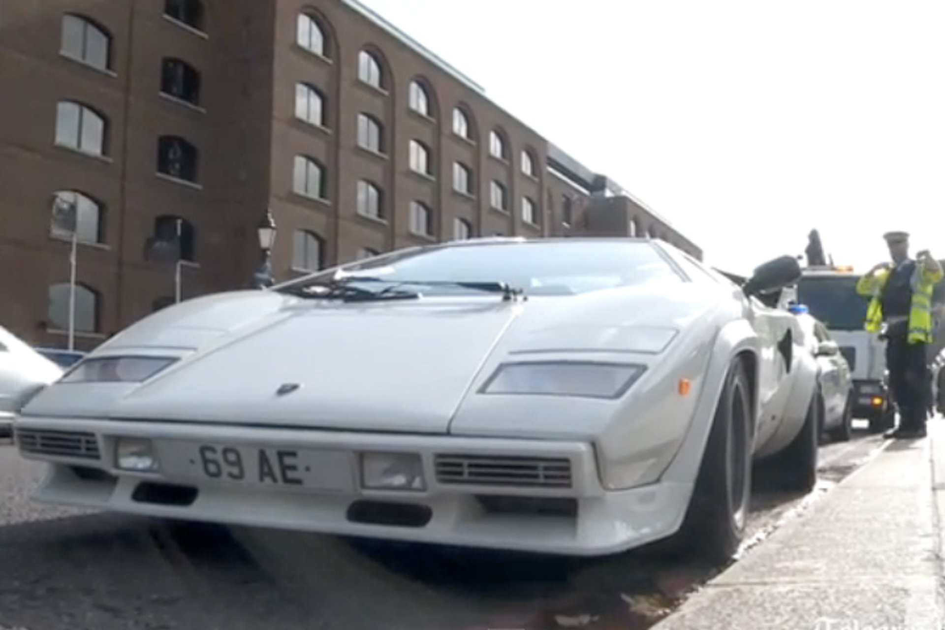 Rare Lamborghini Abandoned by London's Tower Bridge
