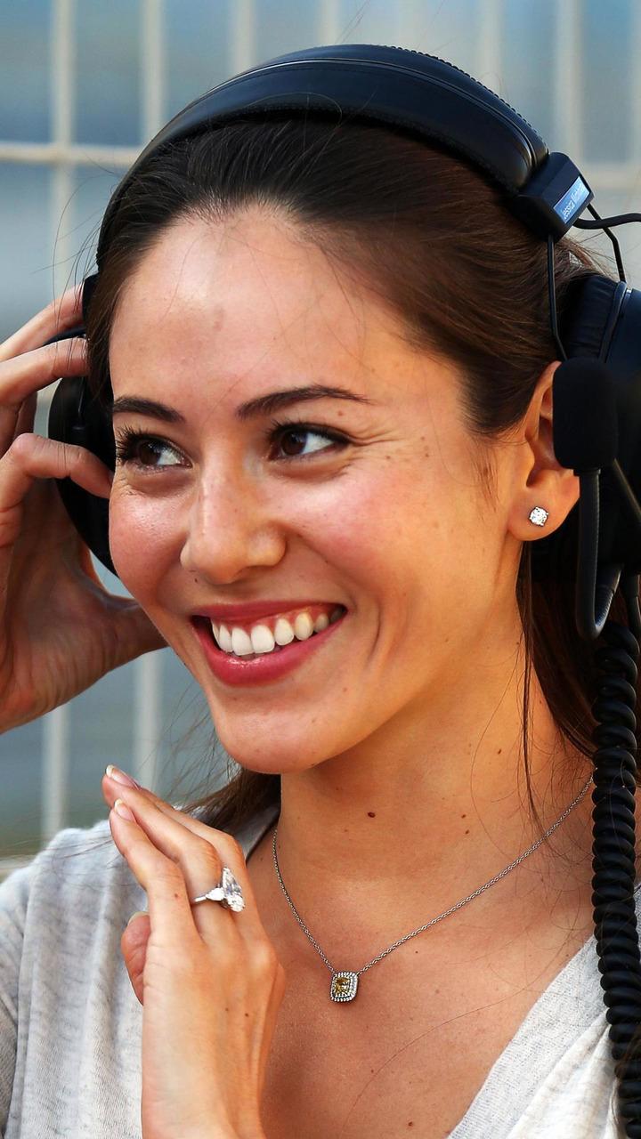 Jessica Michibata wearing her engagement ring 21.02.2014 Formula One Testing Bahrain