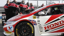 2014 Honda Civic Tourer BTCC shown in the metal