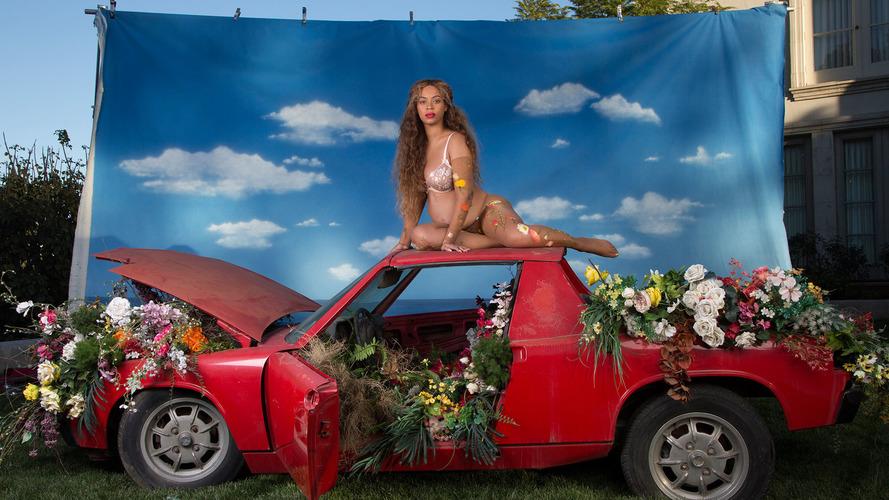 Há um Porsche por trás do anúncio da gravidez de Beyoncé