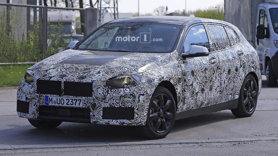 Flagra - Este é o novo BMW Série 1 de tração dianteira que chega em 2018