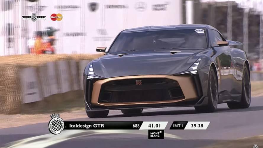 La Nissan GT-R50 by Italdesign sulla collina di Goodwood
