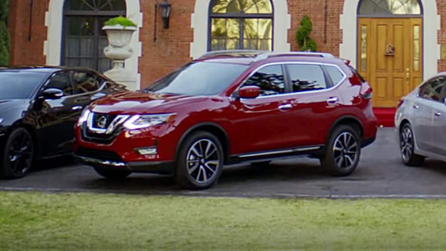 2017 Nissan Rogue caught in commerical