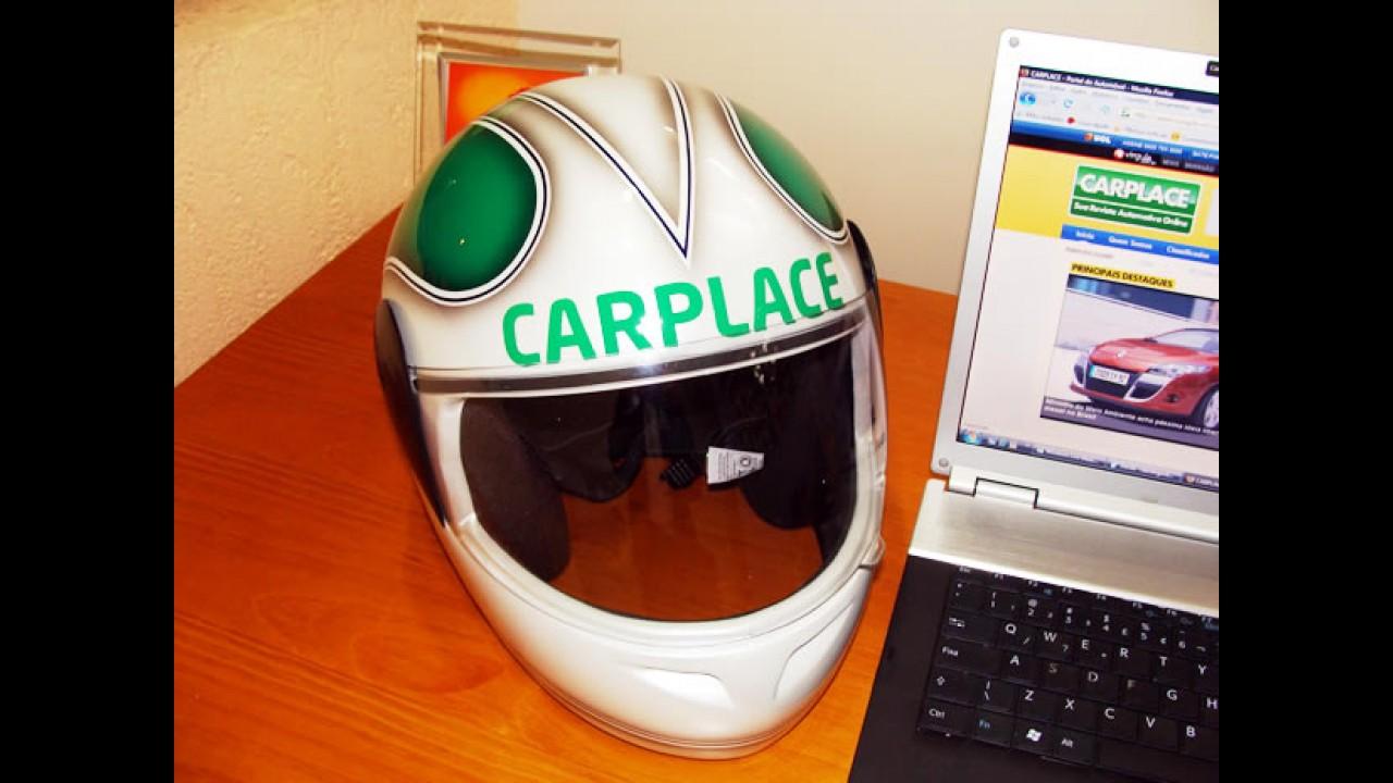 Mistério: CARPLACE ganha um capacete personalizado e convite para desafio!