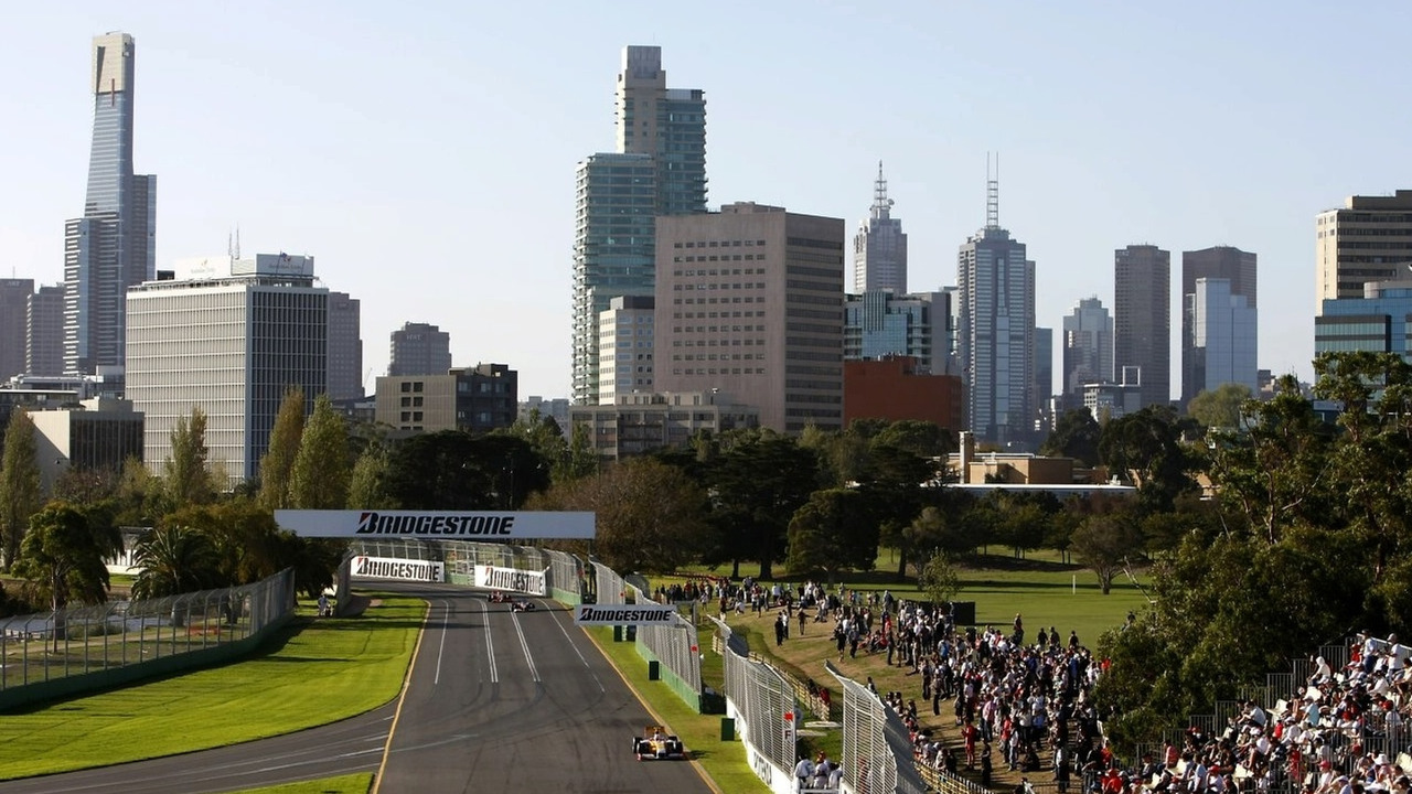 2009 Australian Grand Prix - Friday Albert Park, Melbourne, 27th March 2009. Fernando Alonso, Renault R29