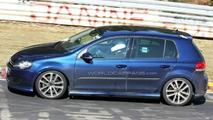 VW Golf R20 prototype spy photo