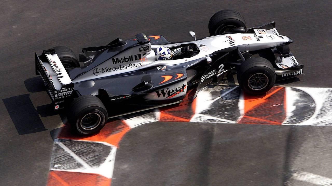 16. El McLaren MP4/15-Mercedes de F1