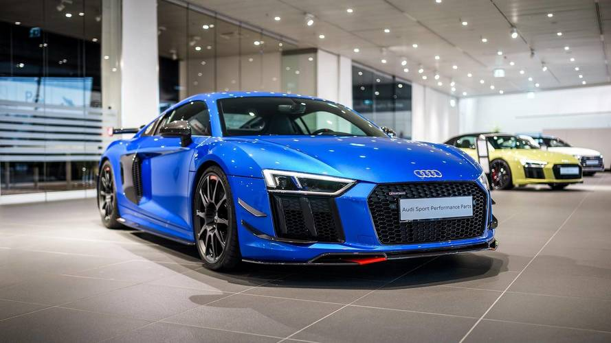 Audi R8 V10 Plus, Performance parçaları ile daha çekici görünüyor