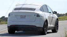 2016 Tesla Model X spy photo