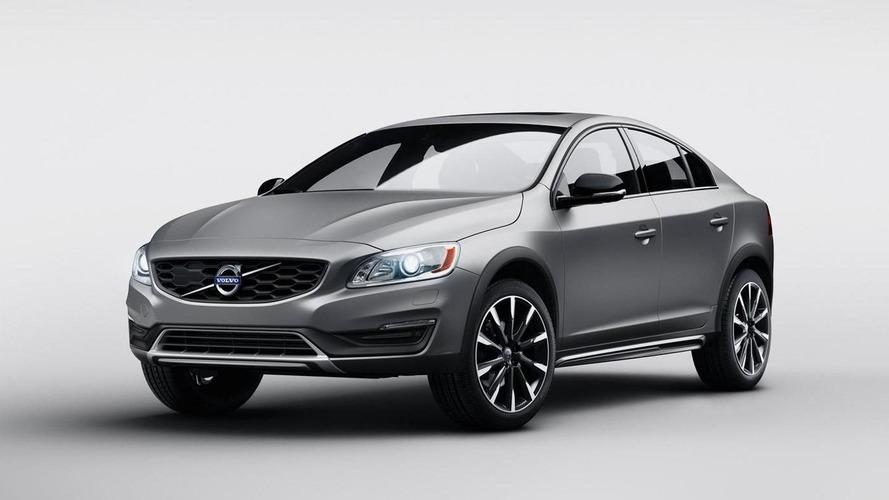 Volvo S60 Cross Country high-riding sedan revealed, debuts at NAIAS