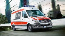 Mercedes to show C- & V-Class emergency vehicles at RETTmobil 2014