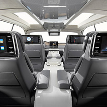 Lincoln Goes Wings Out in New York With 2016 Navigator Concept