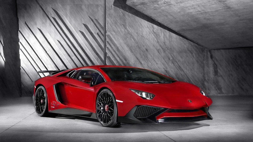 Lamborghini Aventador LP 750-4 Superveloce unveiled with extra power, less weight