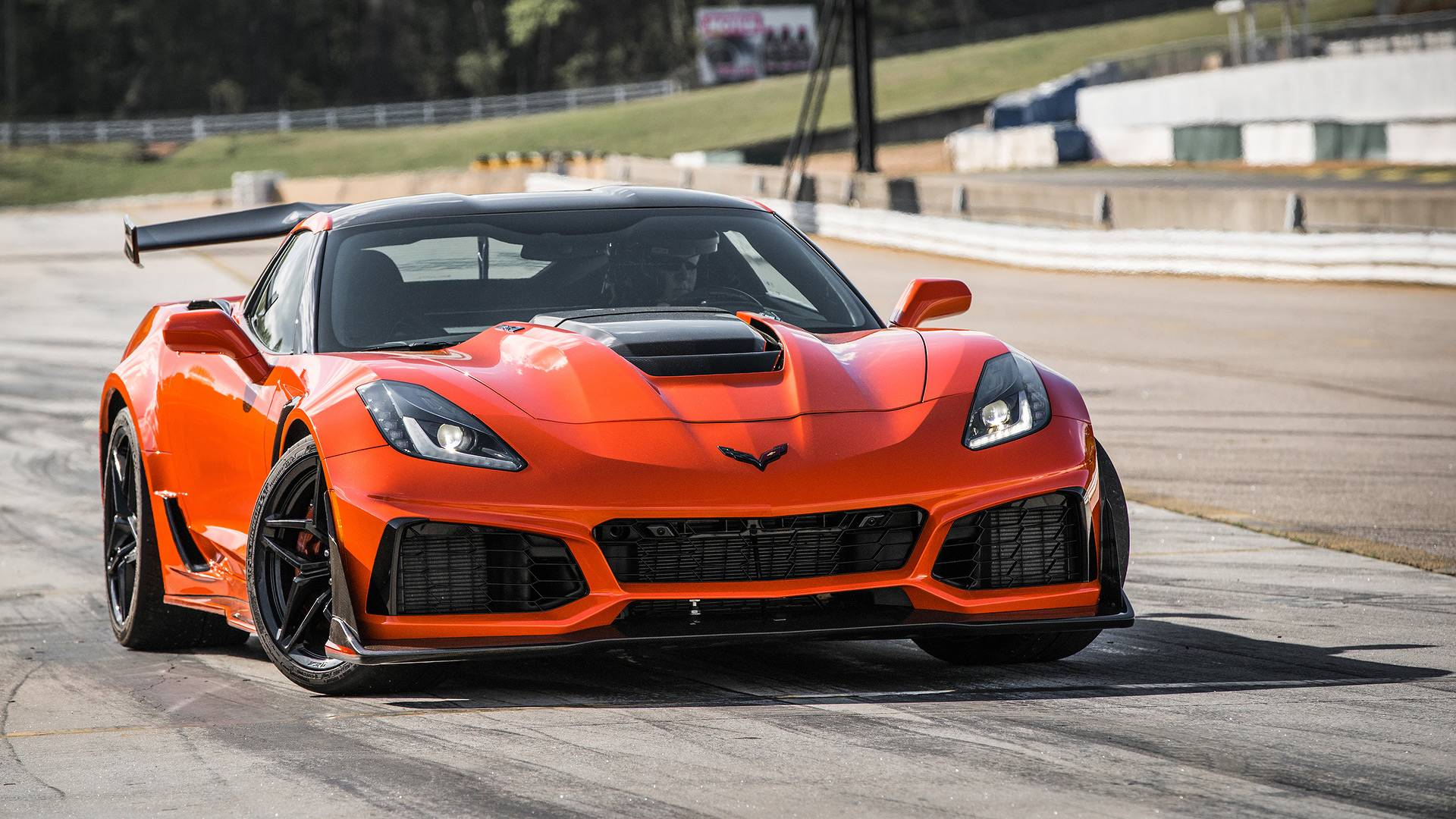 2019 Chevy Corvette ZR1 Clocks 212 MPH Official Top Speed