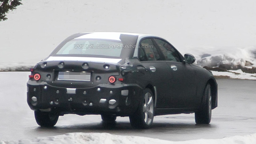 New 2014 Mercedes C-Class spied in motion [video]