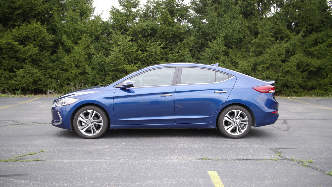 2017 Hyundai Elantra Limited Why Buy? Headliner