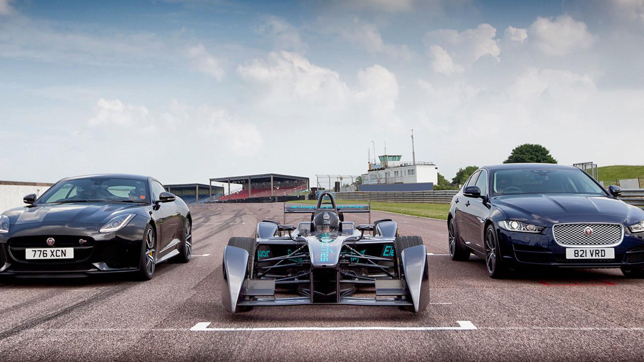 Jaguar Formula E, XE et F-Type SVR