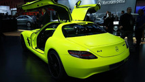 Mercedes SLS AMG E-Cell prototype live in Detroit 10.01.2011