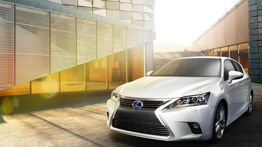 2014 Lexus CT200h facelift first official images surface