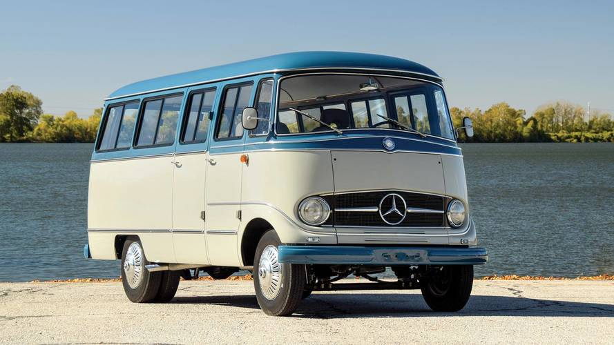 Mercedes O 319 Restomod Goes To Auction, Mixing Classic And Modern