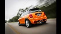 Teste CARPLACE: MINI Cooper S tem poderio (e preço!) para bater GTI e Si
