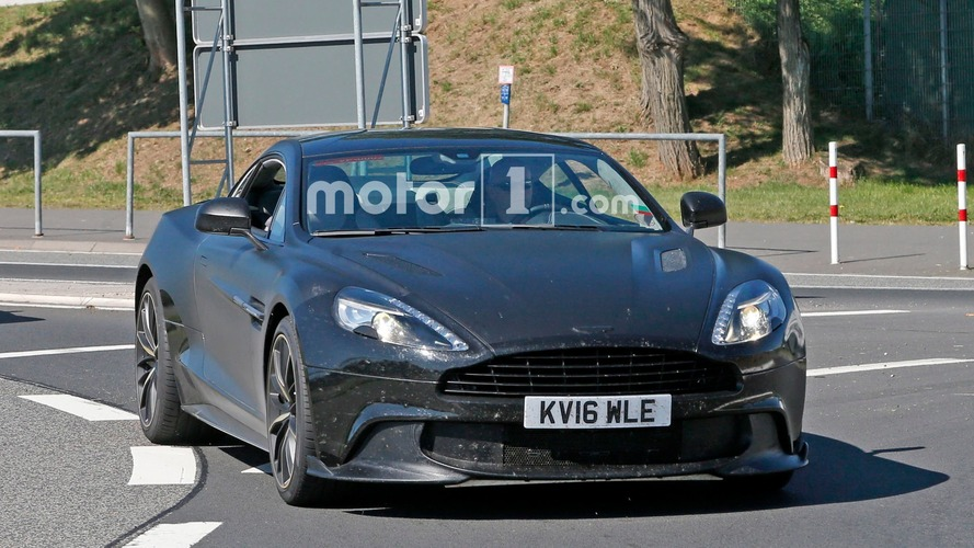Aston Martin Vanquish S Casus Fotoğrafları
