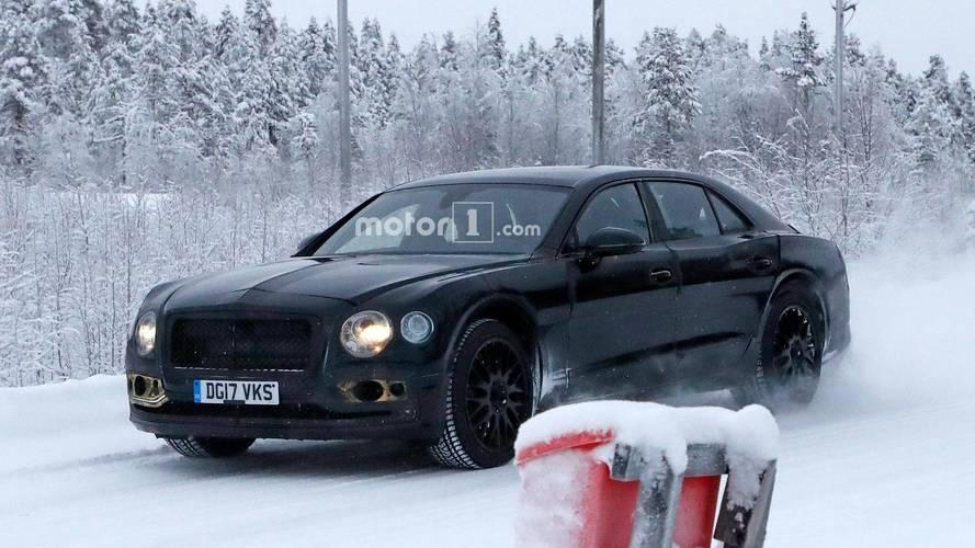 El futuro Bentley Flying Spur 2018 se prepara en la nieve sueca