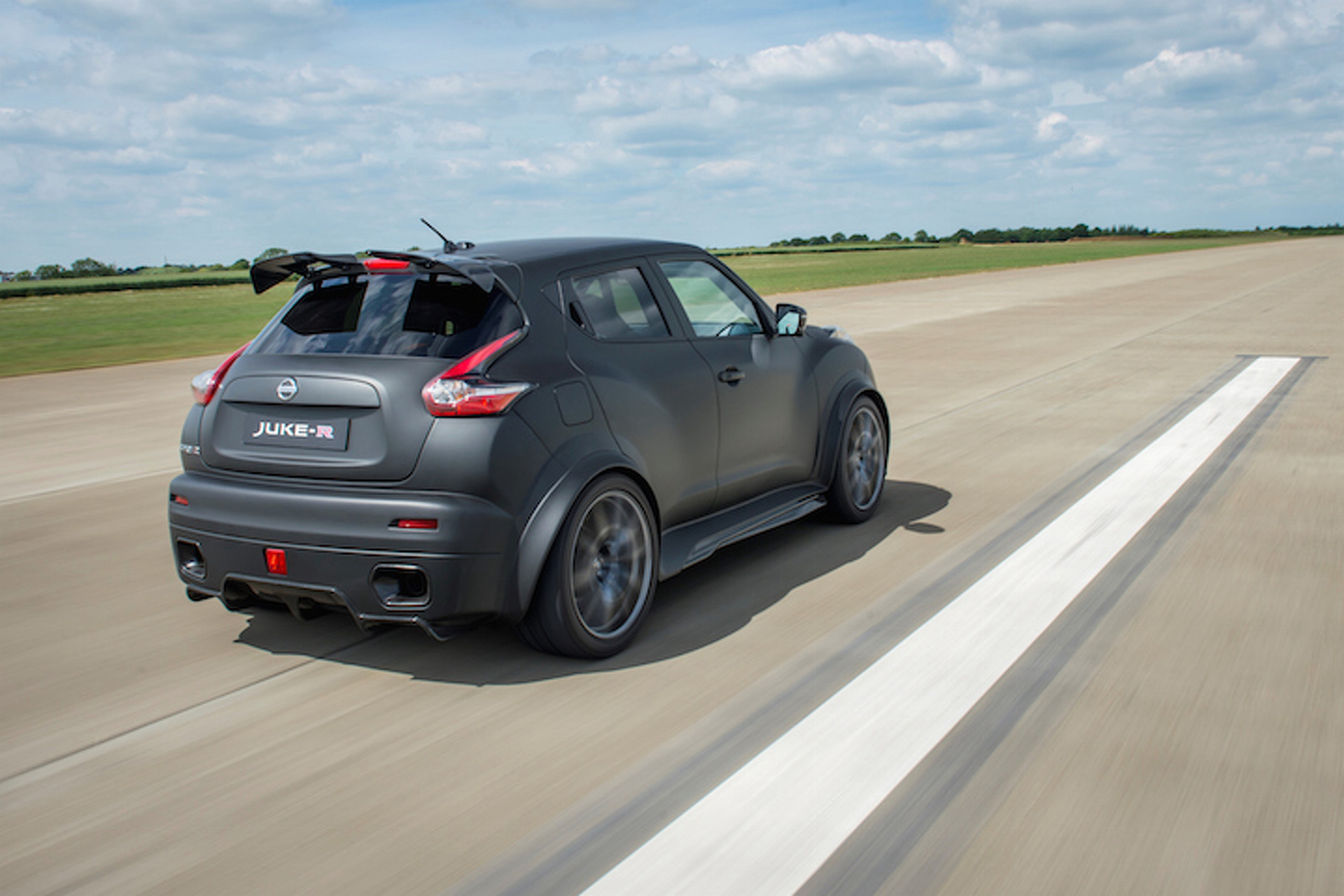 600-HP Nissan Juke-R 2.0 Going Into Limited Production