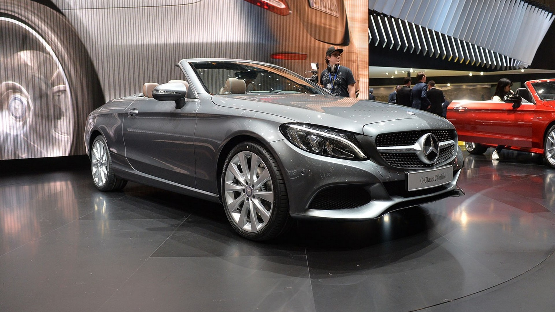 mercedes benz c class cabriolet news and reviews. Black Bedroom Furniture Sets. Home Design Ideas
