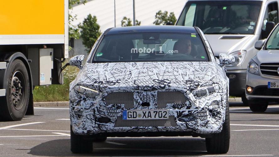 2019 Mercedes GLA nouvelles images espion