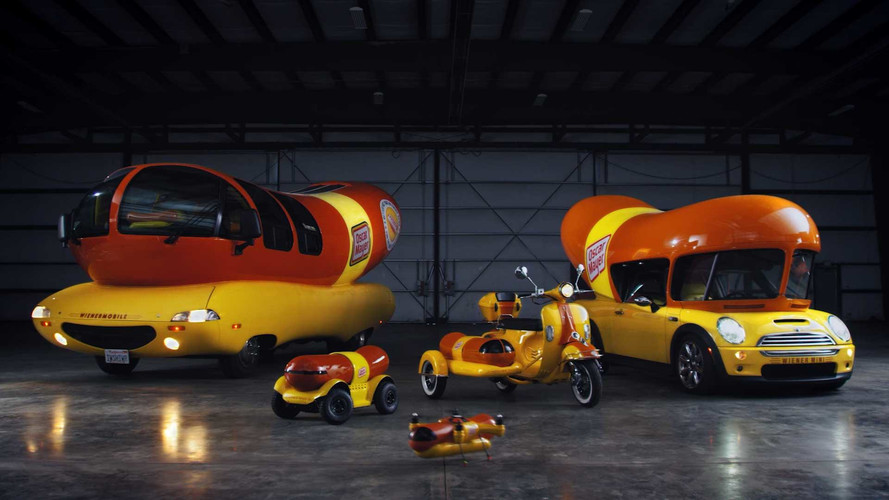388 furthermore  together with Wienermobile as well Auto Biografia further The Show On The Road Our Favorite Art Cars. on oscar mayer wienermobile mini