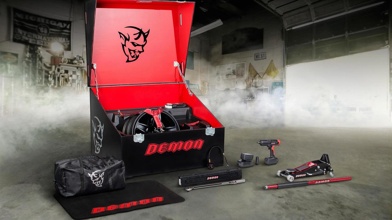 Dodge Challenger SRT Demon alet çantası