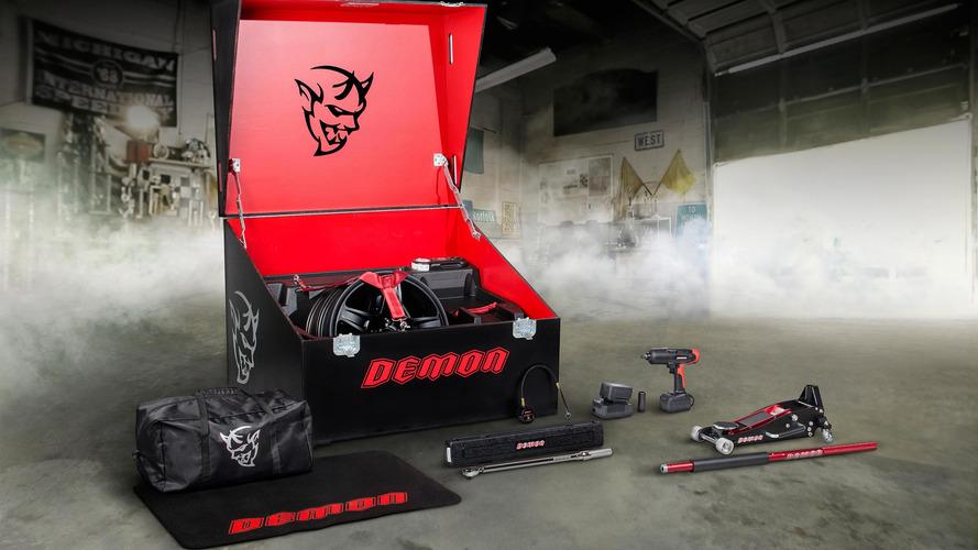 Dodge Challenger Demon'ın alet çantası da bir başka
