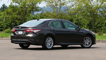 2018 Toyota Camry Hybrid: Review