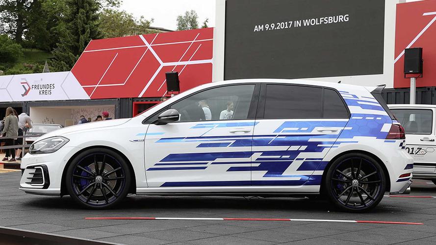 2017 VW Golf GTE concept