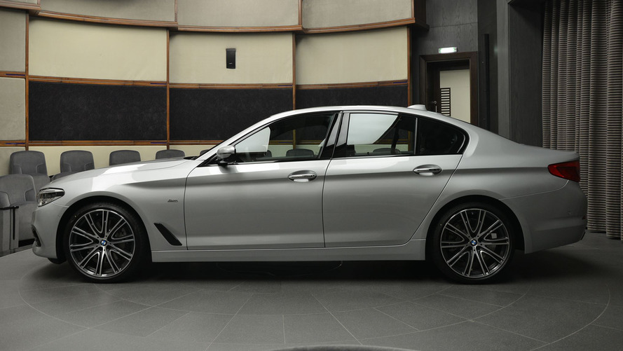 Elegant BMW 540i Sport Line surfaces at Abu Dhabi Motors