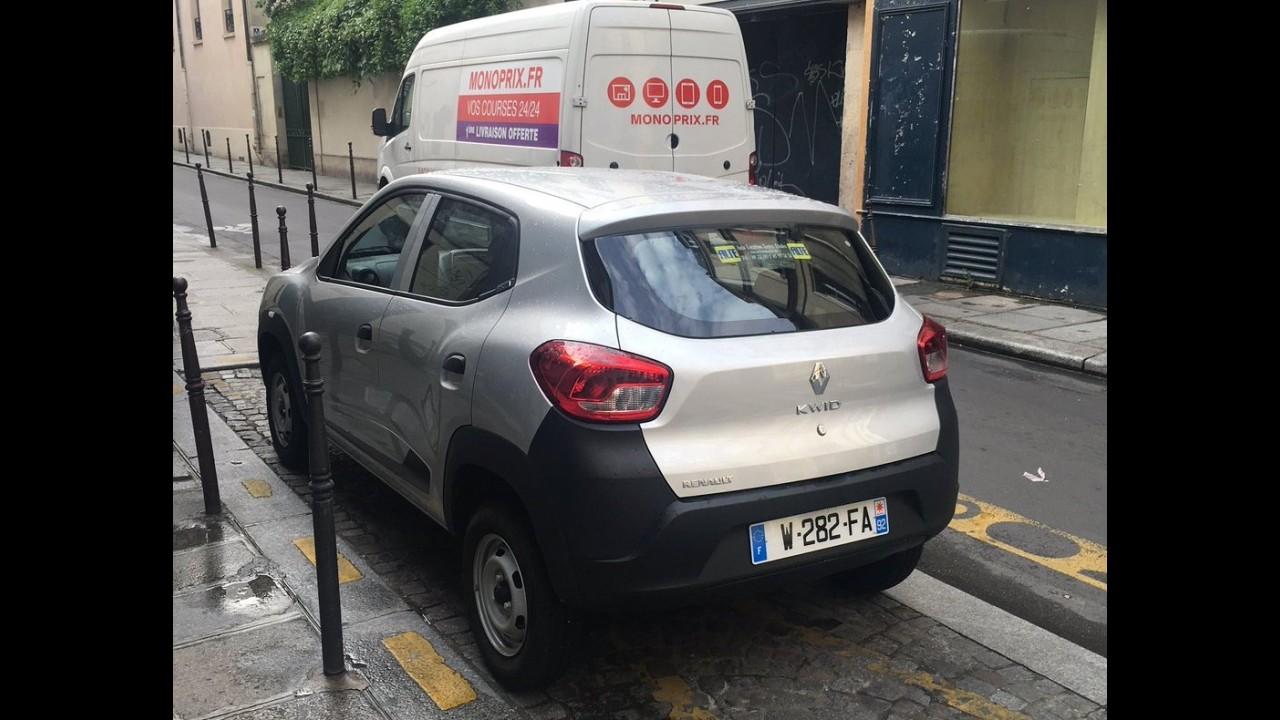 """Flagra: Renault Kwid é clicado em versão """"pelada"""" na França"""