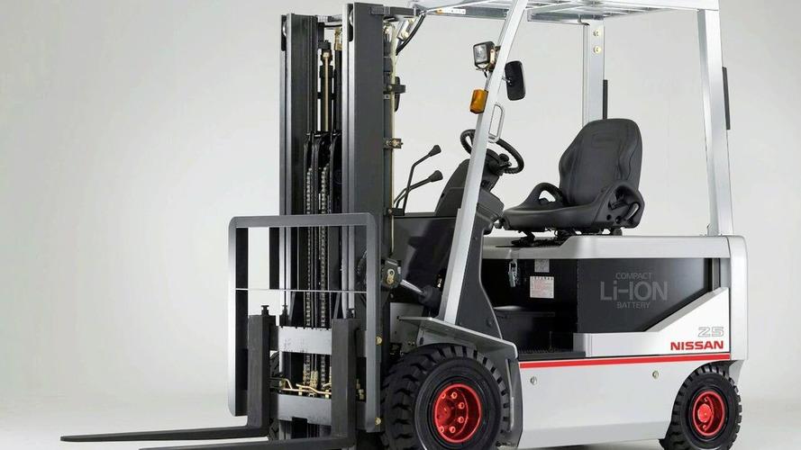 Nissan EV Li-ION Battery Makes Debut in Forklift