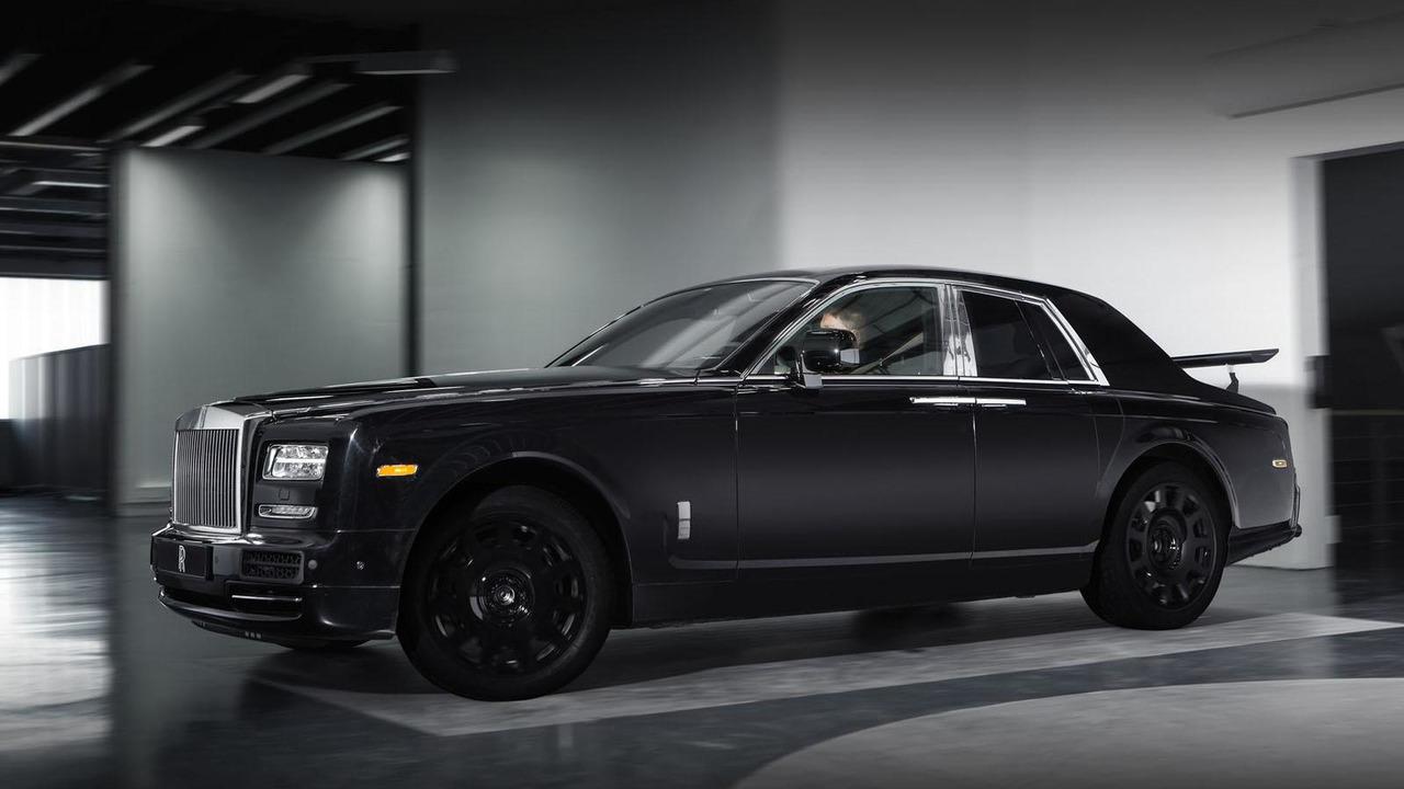 Rolls-Royce Crossover mule / Project Cullinan