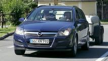 Opel Astra Facelift Spy Photo