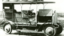 1907: World First AWD Passenger Car