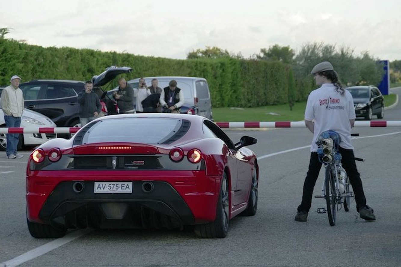 Watch This Rocket-Powered Bike Hit 200MPH