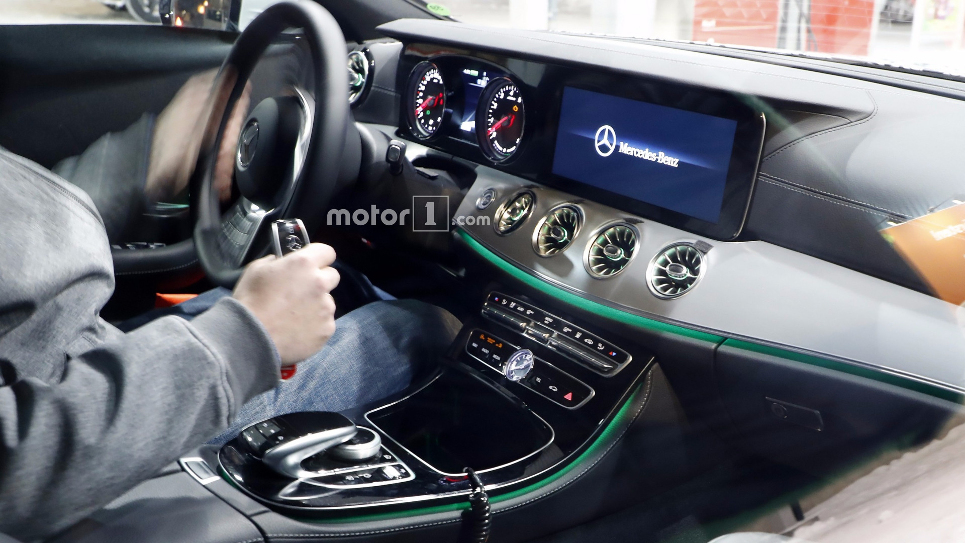 Mercedes Cls Interior 2018 >> 2018 Mercedes CLS spied inside showing its E-Class roots
