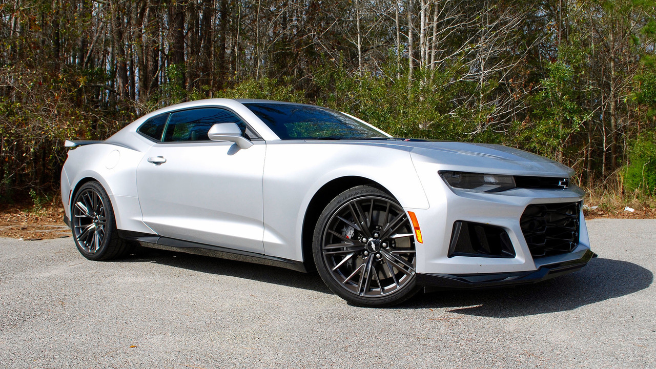 2017 chevy camaro zl1 first drive populist power and polish. Black Bedroom Furniture Sets. Home Design Ideas
