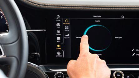 16 hangszóró és 3D hangzás - elkészült a Bang & Olufsen Bentley-nek készített hangrendszere