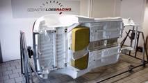 La Peugeot 306 Maxi en phase d'assemblage dans les ateliers du Sébastien Loeb Racing