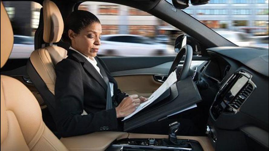 Volvo e la guida autonoma, presentata l'interfaccia uomo-macchina [VIDEO]