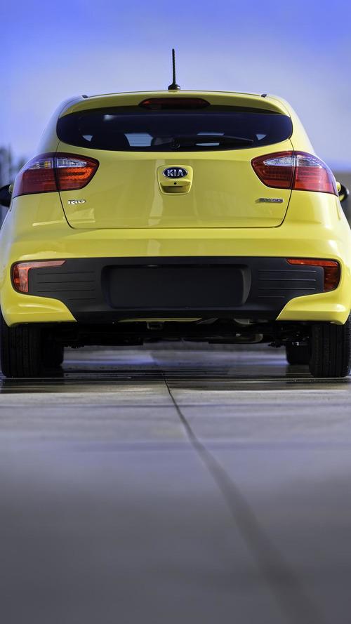 2016 Kia Rio hatchback ve sedan Chicago Oto Şov