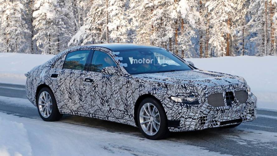 Mercedes S-Class Likely Wearing Its Own Body In New Spy Shots