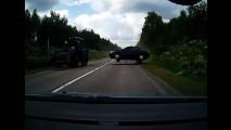 Vídeo: motorista dá show de reflexo e salva família na Rússia